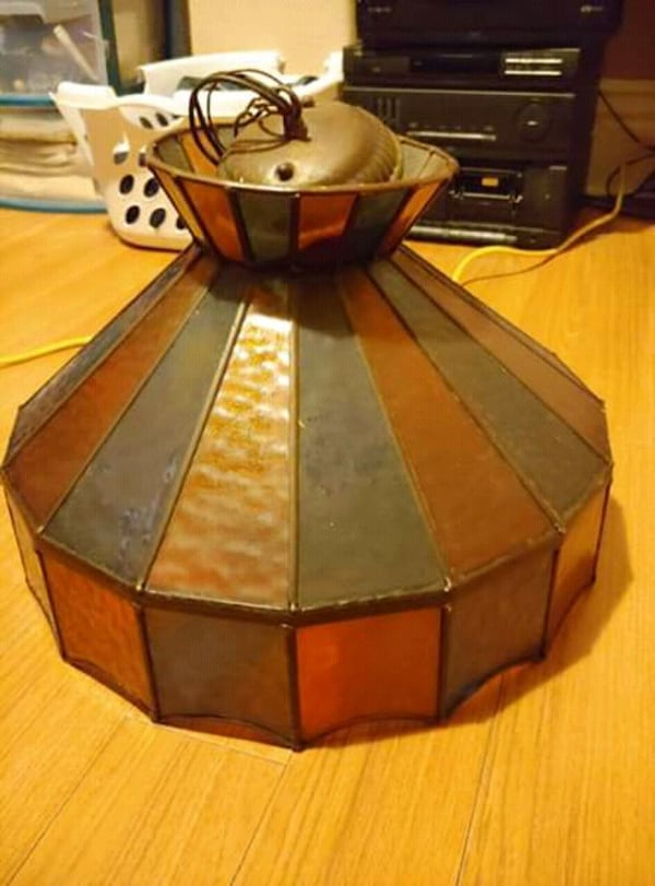 Vintage stain glass lamp shade  f0a92eb4-c92d-44d5-9708-0ec1febe5796