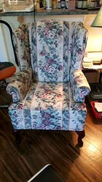 Chair WingbackNonsmoker Clean always Covered Edmonton, T5X 4S3
