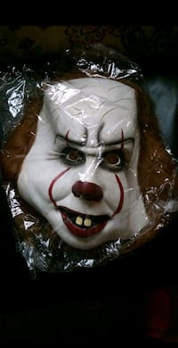 "Halloween ""Pennywise"" IT mask"