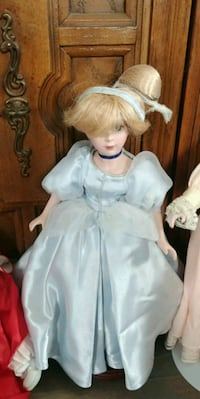 girl doll wearing white dress Orillia, L3V 7Z4