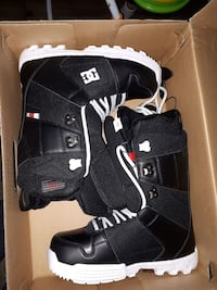 DC snowboarding boots London, N6H 0A8