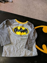 gray and yellow Batman print pj top size 4 Edmonton, T6E 0L9