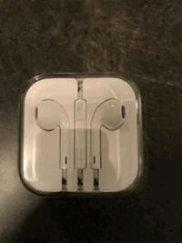 Apple Headphones with case and box 719 km