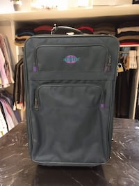 Used suitcase with 2 small wheels Globetrotter Toronto