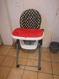 baby's white and red high chair Yuma, 85364