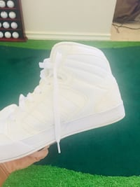 Unisex Adidas High tops/like new! Pickering, L1V 5W7