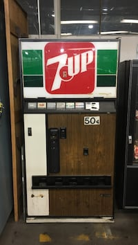 7up soda dispenser. Must go today sept 5th. Or else it will be scrapped . Montréal, H2H