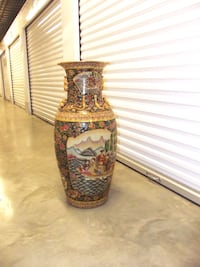 Porcelain Oriental Vase - Family out to sea scenery Laurel