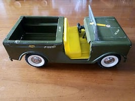 Dark green with yellow seats dump truck toy