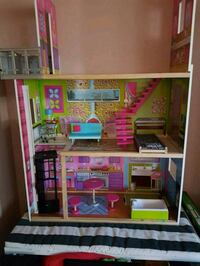 4 foot doll house for sale! Carson, 90745