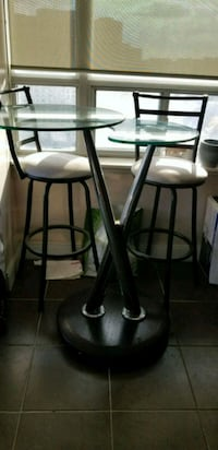 Swivel kitchen table Mississauga, L4Z 0A5