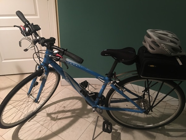 Cannondale Quick 6  hybrid mountain/road bike