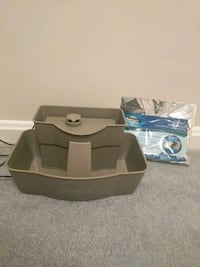 Pet water fountain and filters