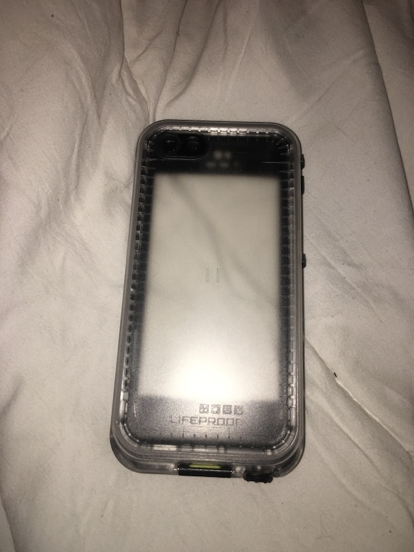 iPhone 5c life proof case