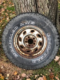 Tire with wheel, size is in the photos   Greenville, 16125