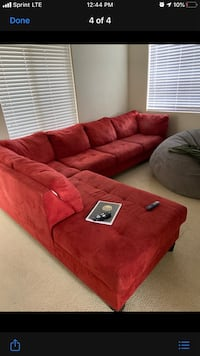 Super comfortable couch ! Cheaaaap