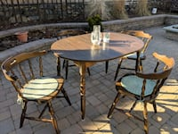Dining table and chairs Cranston, 02920