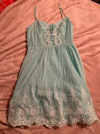 Super Cute Guess Teal V Neck Spaghetti Strap Flowy Summer Dress