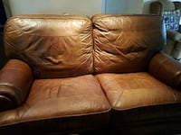 Real leather love seat recliner  good condition  n West Covina, 91791