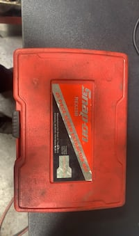 Snap on bolt extractor set