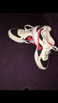 Chaussures de basket-ball air jordan blanc et rouge