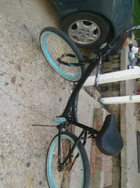 black and blue cruiser bike Donaldsonville, 70346