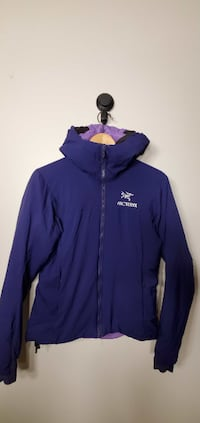 Arc'teryx Women`s Outdoor Apparel Size S Conditon New New Westminster