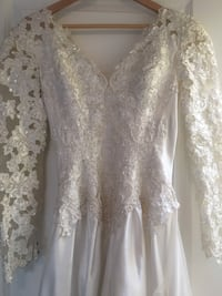 white floral lace long-sleeved dress Central Okanagan