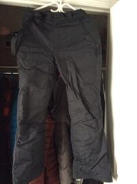 Columbia Ski Pants   Light weight. Very warm. Size ladies small.  Excellent Condition. $25 Georgetown, L7G 1X6