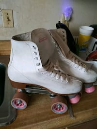 pair of white roller skates Washington, 20019