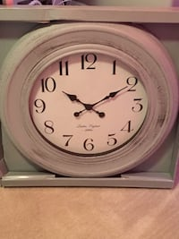 round pink wooden analog wall clock with box Port Coquitlam, V3B