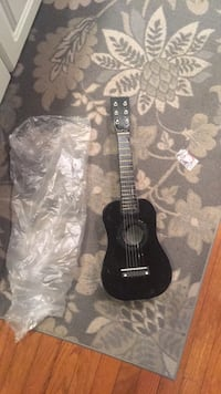 Kids guitar black with pic