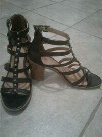 pair of black leather open-toe strappy heels Montréal, H1R 2W1