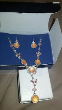 AVON necklace with earrings Belleview, 34420