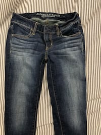 American eagle skinny jeans size 2 short  St Catharines, L2T 3W1