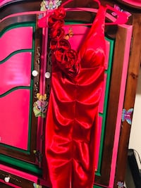 WOMEN RED DRESS PRETTY GREAT CONDITION  Salinas, 93905