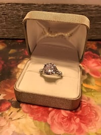 Gorgeous! Sterling Silver White Sapphire Diamond Ring