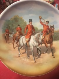 brown and white horse print decorative plate 507 km