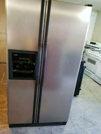 Kenmore s/s refrigerator stainless satin water and Modesto, 95351