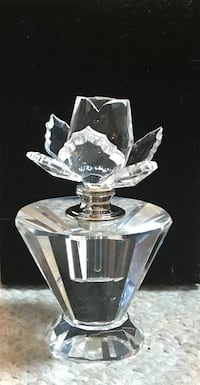 GIFT FOR MOM!! Exquisite crystal rose perfume bottle Martinsburg, 25404