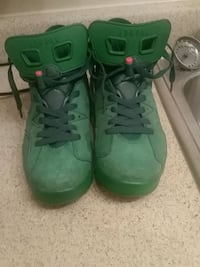 pair of green Nike basketball shoes Little Rock, 72205