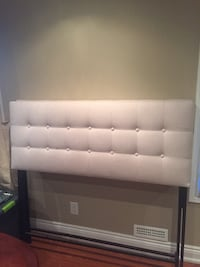 Selling stylish and cozy headboard, frame and box spring. Elegant ! Vaughan, L6A 0C6