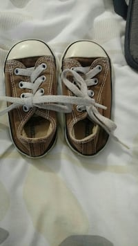 Toddler Converse shoes size 5