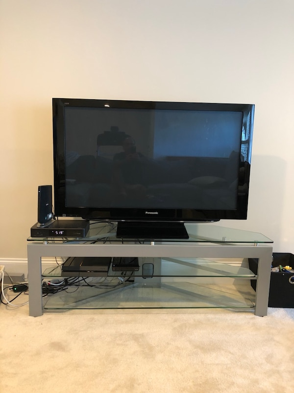 50 inch Panasonic HD Plasma flat screen Television/TV including Glass/Metal TV stand (GOOD CONDITION)