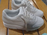 brand new nike air max size 6  Surrey