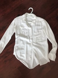 Aritzia Talula button down  Mississauga, L5V 2K3