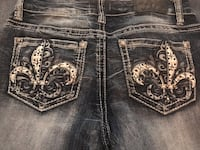 Denim capris with bling pockets Lincoln, 68506