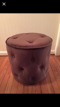 BRAND NEW in box!  Tufted round ottoman. Espresso Fairfax Station, 22039