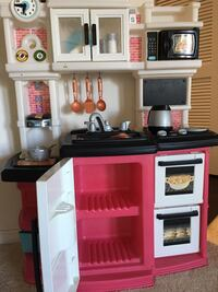 Toy kitchen pink Rockville, 20852
