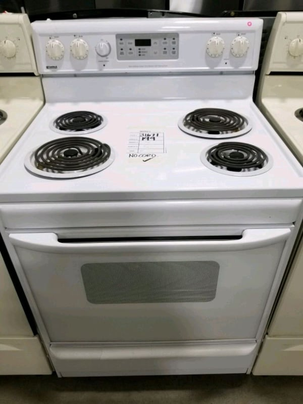 Kenmore electric stove 30inches  705fae8d-2f5d-4a38-8fb9-857a45deefdc